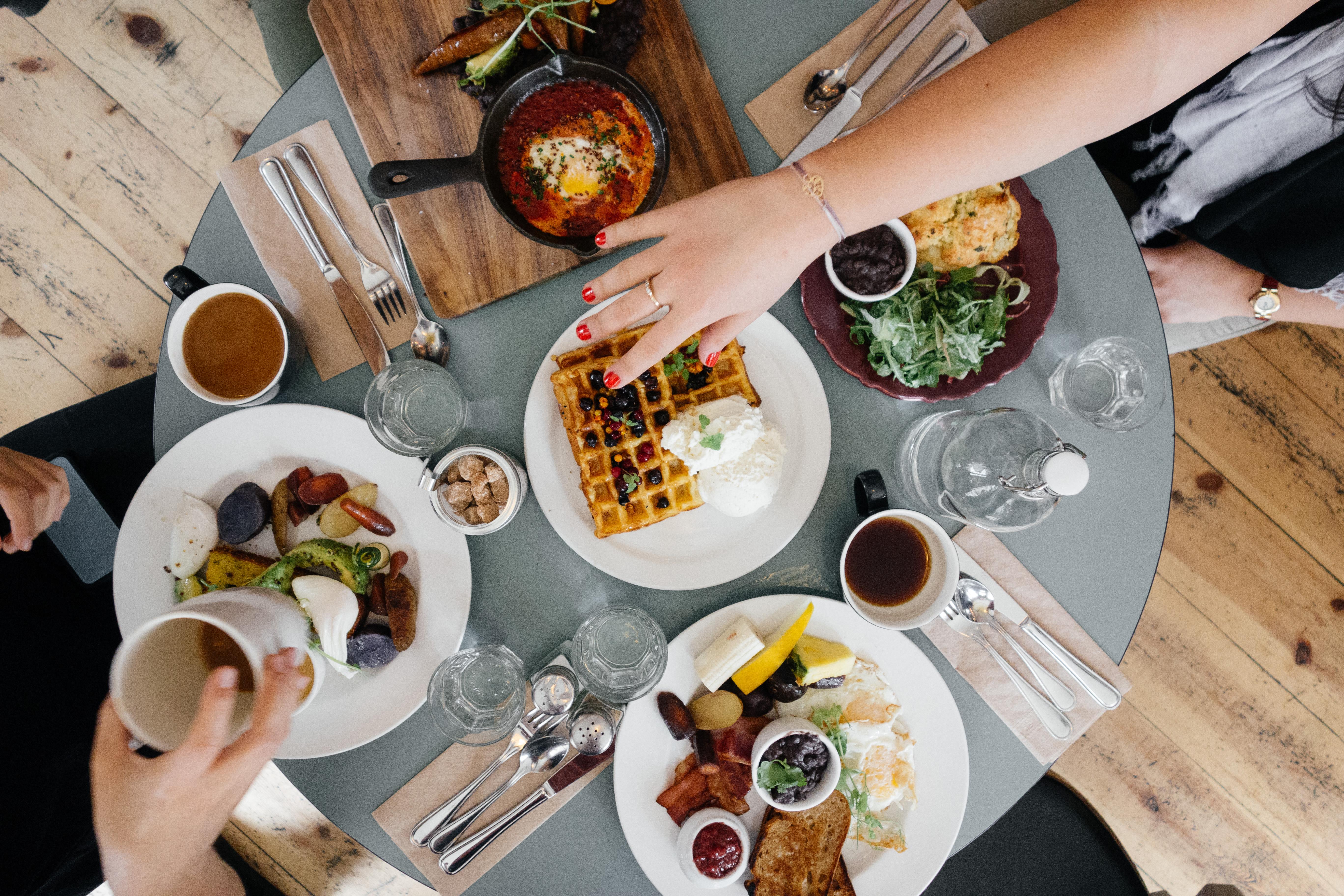 Odłóż połowę jedzenia, czyli o rozepchanych żołądkach