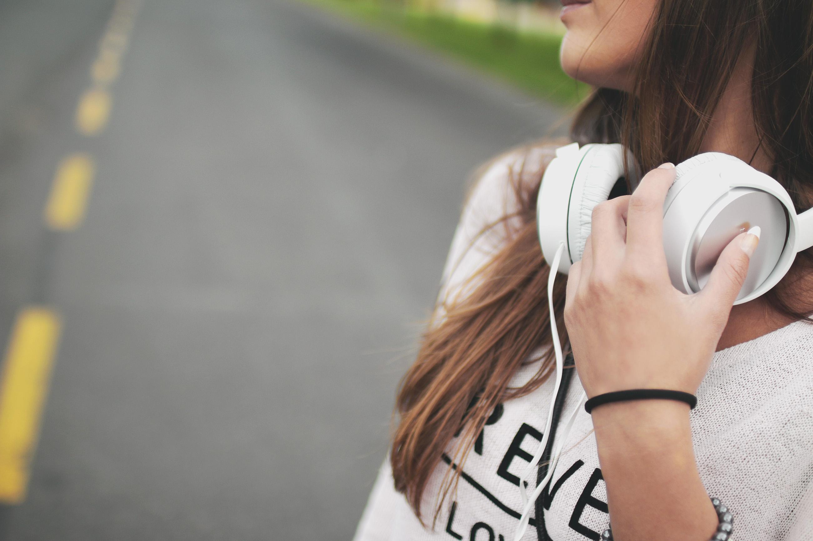 sluchawki muzyka