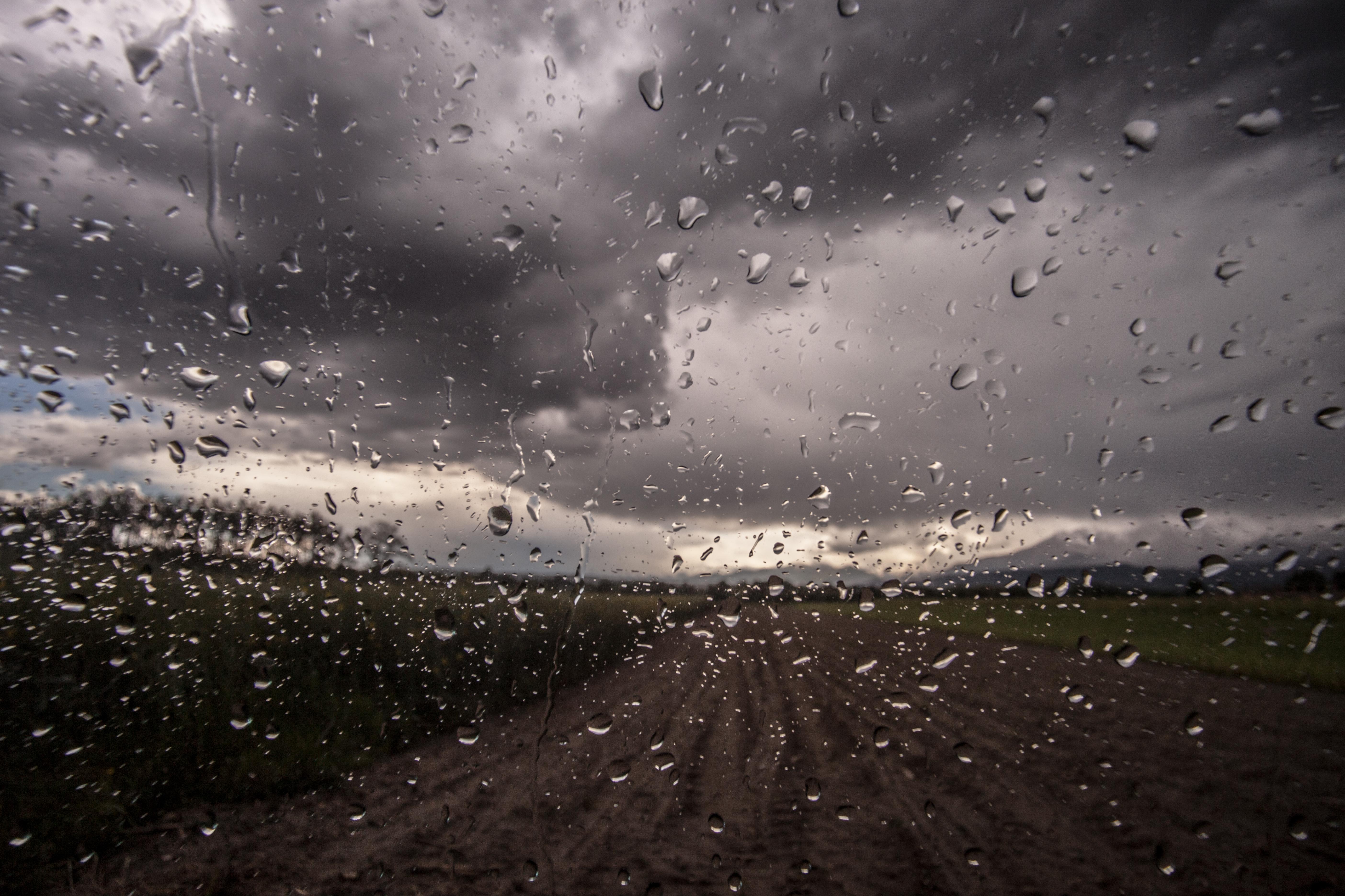 deszcz szyba