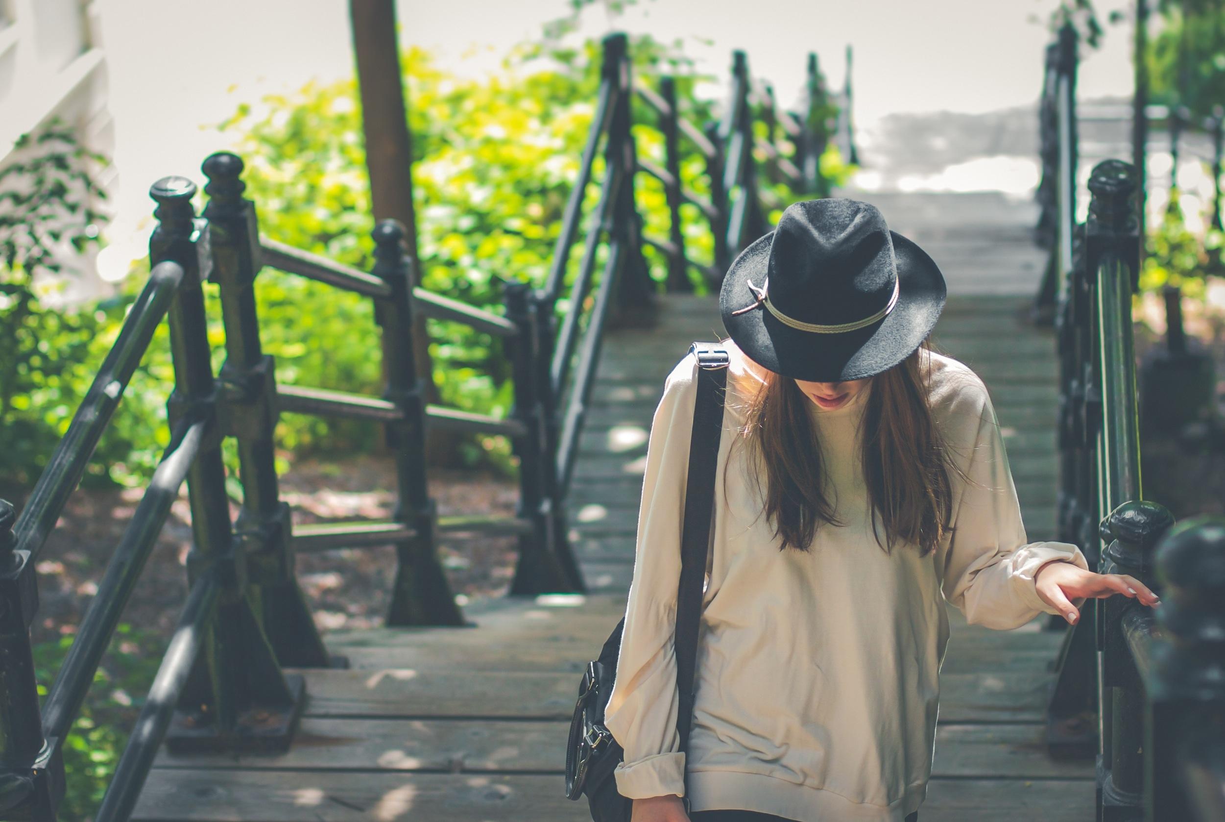 dziewczyna kapelusz podróże
