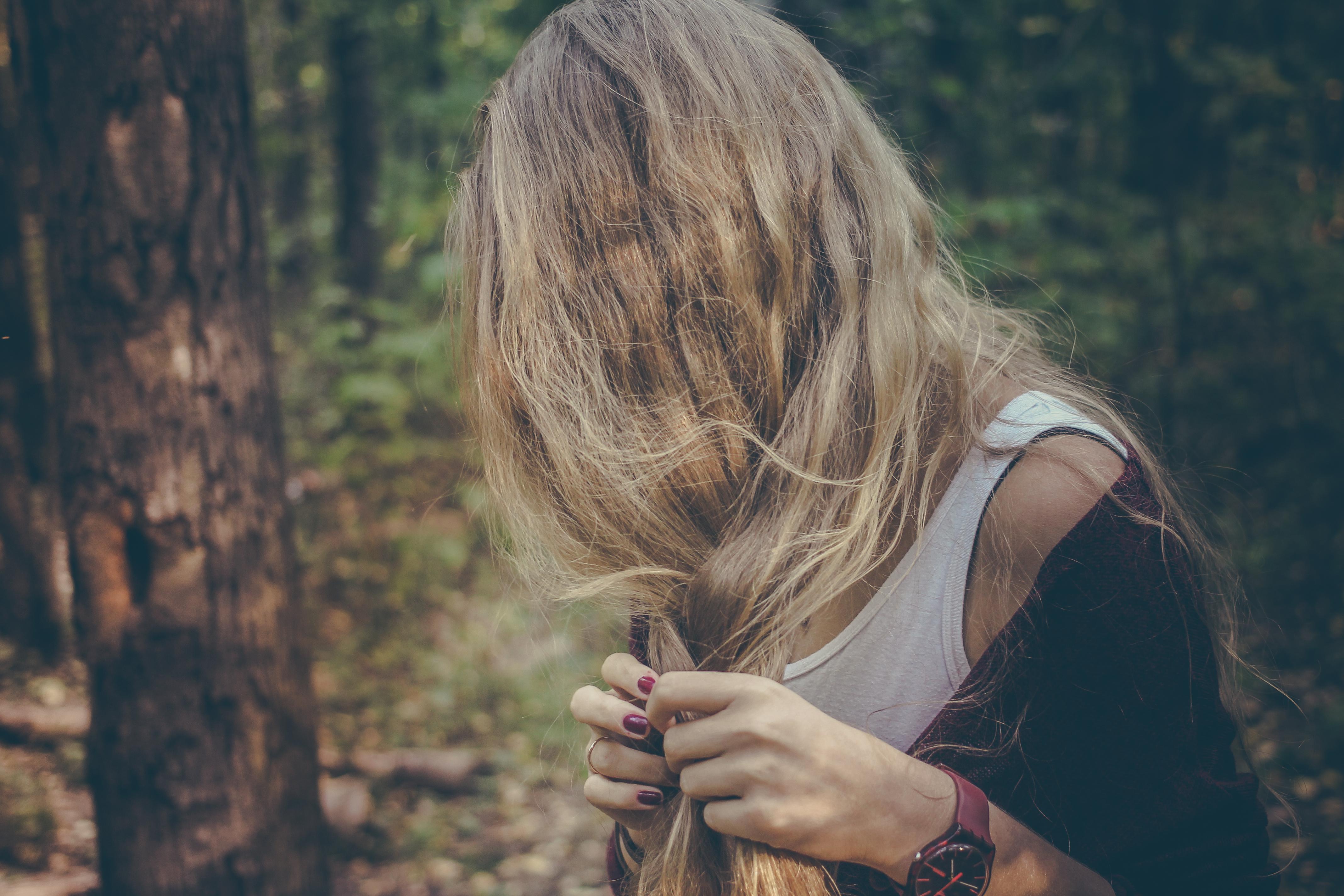dziewczyna las włosy ładne